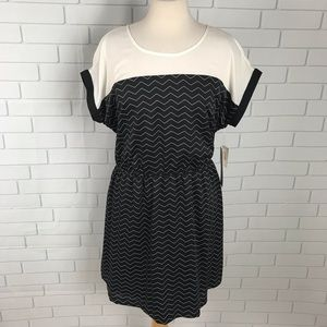 Kenzie Chevron lined dress large elastic waist